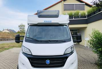 Hire a motorhome in Landau in der Pfalz from private owners| Knaus Ginbie