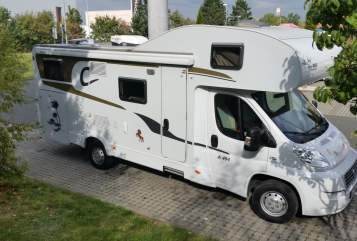 Hire a motorhome in Roth from private owners| Carado Sweet Home