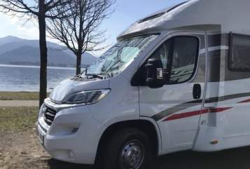 Hire a motorhome in Aichtal from private owners| Sunlight Hera