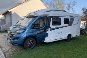 Hire a motorhome in Aichtal from private owners| Knaus Hera