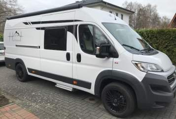 Hire a motorhome in Verl from private owners| Roadcar 640 PlatinCamper