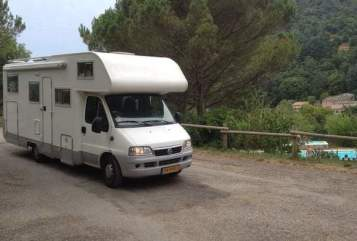 Hire a motorhome in Bilthoven from private owners| Adria Mobil Adriaan