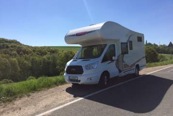 Hire a motorhome in Gera from private owners| Challenger Family Suite