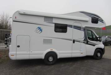 Hire a motorhome in Giesen from private owners| Knaus SKY FAMILY