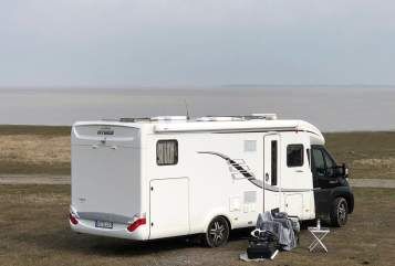 Hire a motorhome in Edewecht from private owners| Hymer EUMo
