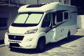 Hire a motorhome in Manching from private owners| Knaus Fipsi