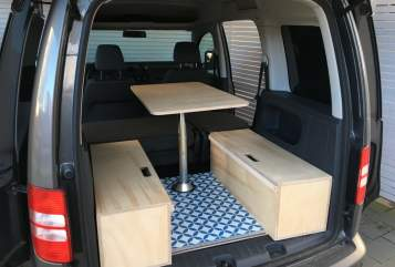 Hire a motorhome in Ahrensburg from private owners| Volkswagen Eddy the Caddy