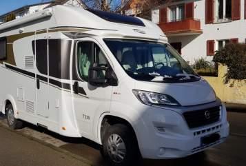 Hire a motorhome in Meersburg from private owners| Carado WomoMeer