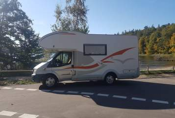 Hire a motorhome in Kiel from private owners| Eura Mobil Scholly