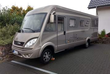 Hire a motorhome in Kirchlengern from private owners| Hymer Hymer