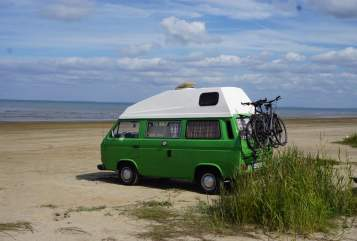 Hire a motorhome in Brackel from private owners| VW T3 Frosch