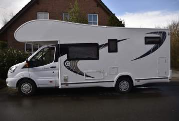 Hire a motorhome in Berne from private owners| Chausson Flash