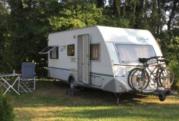 Hire a motorhome in Neuhausen auf den Fildern from private owners| Knaus Sunshine