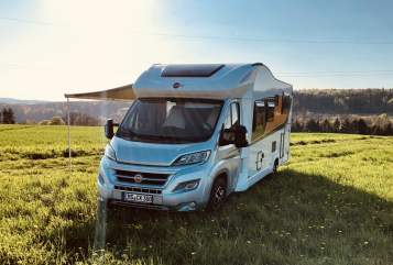 Hire a motorhome in Dörnberg from private owners| Bürstner Ixeo 726
