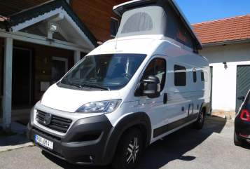 "Hire a motorhome in Hebertsfelden from private owners| Hymercar/Eriba SUNNY ""FAMILY"""