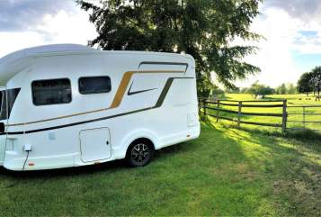 Hire a motorhome in Crailsheim from private owners| Eura Mobil Lukiva