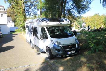 Hire a motorhome in Aachen from private owners| Roller Team Roller Team Granduca 295 TL