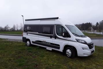 Hire a motorhome in Selent from private owners| Hobby Aragorn