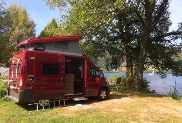 Hire a motorhome in Dorfen from private owners| Hymer Kurz und Wendig