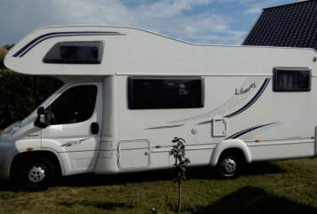 Hire a motorhome in Bremervörde from private owners| LMC Liberty A671G Ruhepol