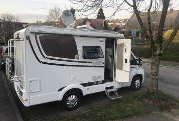 Hire a motorhome in Breckerfeld from private owners| Etrusco  footloose