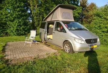 Hire a motorhome in Tilburg from private owners  Mercedes Vito 115 CDI bokje
