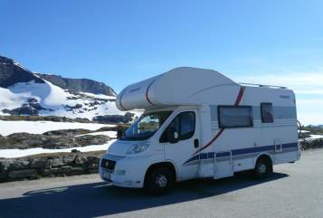 Hire a motorhome in Überlingen from private owners| Dethleffs Troll
