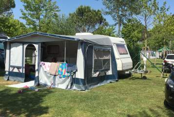 Hire a motorhome in Eiselfing from private owners| Dethleffs Rosi