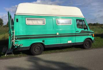 Hire a motorhome in gemeente Groningen from private owners| Mercedes Benz Benji
