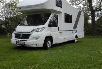 Hire a motorhome in Wilhelmshaven from private owners| Sun Living Bello