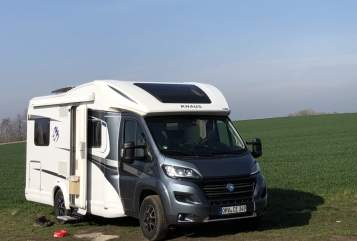 Hire a motorhome in Oberkrämer from private owners| Knaus Knausi