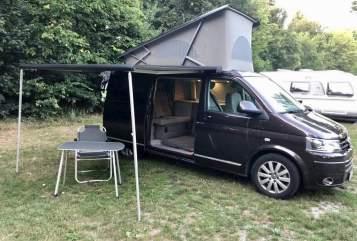 Hire a motorhome in Essen from private owners  VW T5 Multivan DSG California 2.0Tdi Bulli