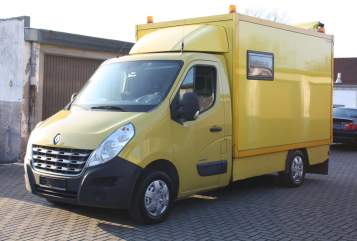 Hire a motorhome in Duisburg from private owners| Renault Master Fritz