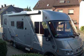 Hire a motorhome in Duisburg from private owners| Hymermobil Hansi