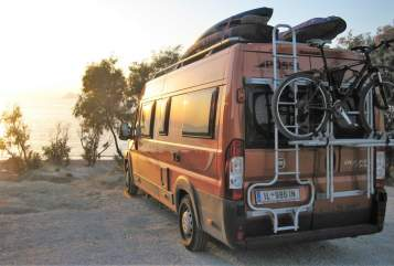 Hire a motorhome in Wattens from private owners| Pössl Curiosity