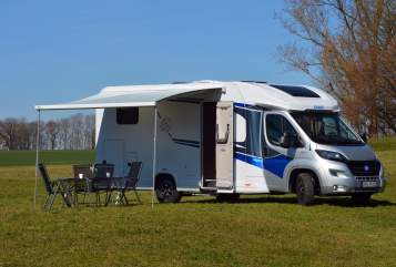 Hire a motorhome in Bergkirchen from private owners| Knaus L!VE WAVE