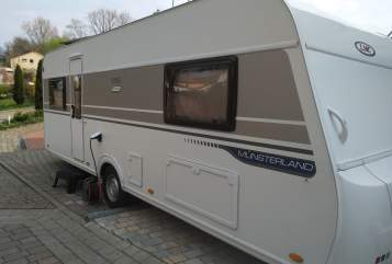 Hire a motorhome in Frankenthal from private owners| LMC Renti
