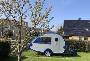 Hire a motorhome in Lenningen from private owners| T@B Knutschkugel