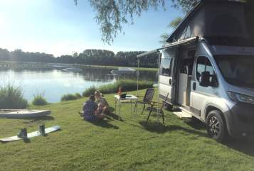 Hire a motorhome in Niederkrüchten from private owners  Vantourer BC Bus