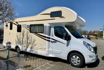 Hire a motorhome in Münsingen from private owners| Ahorn Ahorn AS