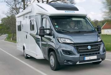 Hire a motorhome in Dresden from private owners| Knaus Herbert