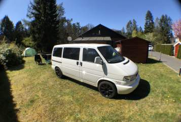 Hire a motorhome in Schneverdingen from private owners| VW Flocke