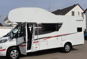 Hire a motorhome in Darmstadt from private owners| Sunlight Wombat