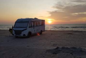 Hire a motorhome in Rheda-Wiedenbrück from private owners| LMC Lotte