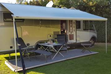 Hire a motorhome in Brüggen from private owners| Carthago  Carlo