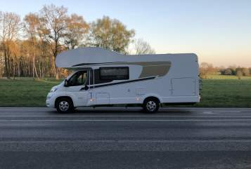 Hire a motorhome in Norderstedt from private owners| Capron Carado mit FT