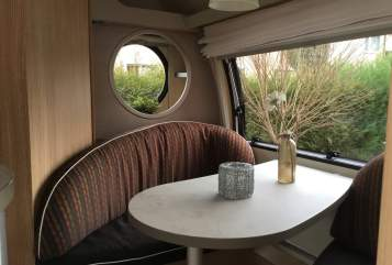 Hire a motorhome in Kamen from private owners| T@b T@bsi