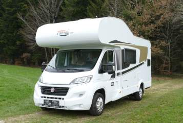 Hire a motorhome in Fornach from private owners| CARADO CARADO A361