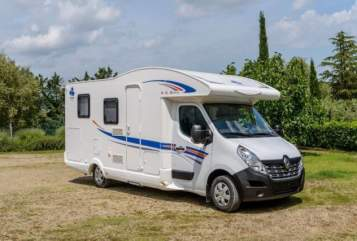 Hire a motorhome in Grünstadt from private owners| Ahorn Nicky
