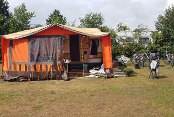 Hire a motorhome in Dinslaken from private owners  Hehn Hehnchen